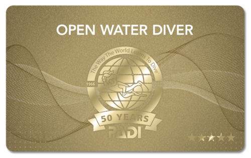 2016年のカードはPADI 50周年記念限定デザインカードとなります!